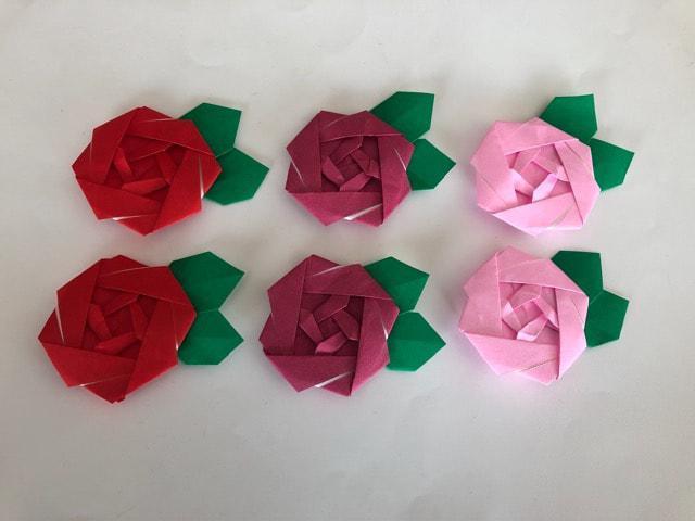 ハンドメイド 折り紙 薔薇 6枚 壁面飾り_1