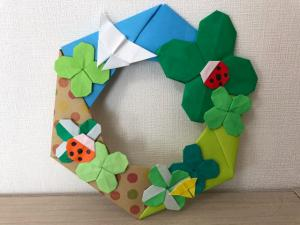ハンドメイド 折り紙 クローバーリース2 壁面飾り_1