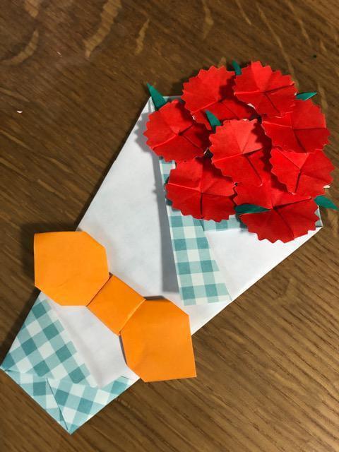 ハンドメイド 折り紙 カーネーション花束2 壁面飾り 母の日_1