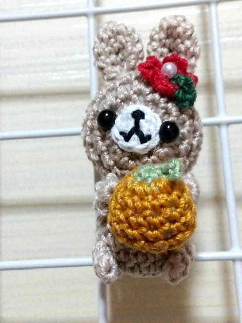 うさぎちゃん編みぐるみマグネット(みかん)_1