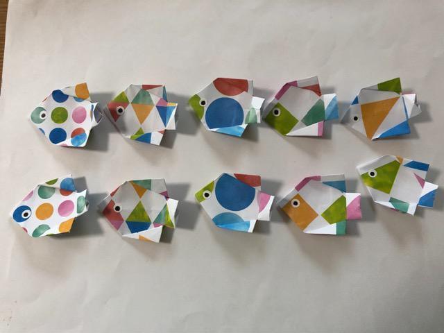 ハンドメイド 折り紙 熱帯魚 10匹 壁面飾り 幼稚園_1