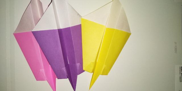 いろいろな種類の紙飛行機_1