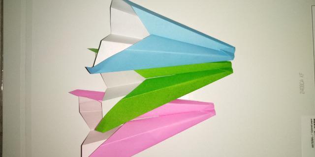 いろいろな種類の紙飛行機_3