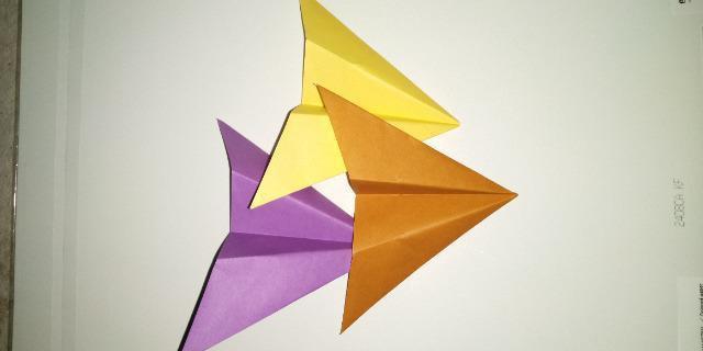 いろいろな種類の紙飛行機_4