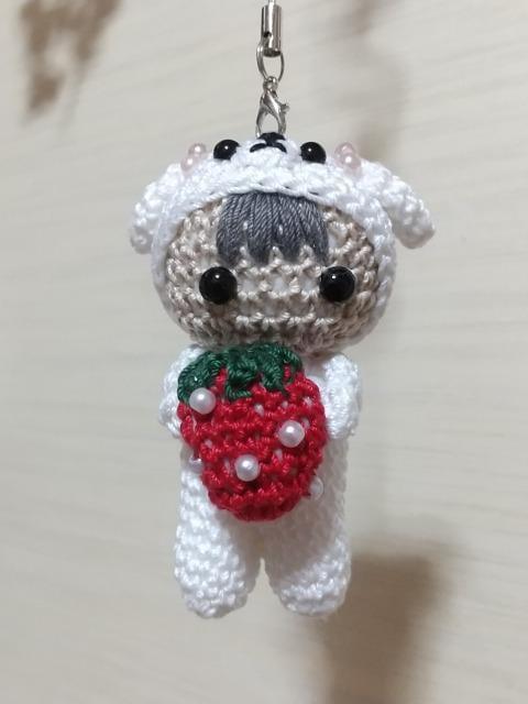 いぬ着ぐるみ☆いちご大好きベビーちゃん編みぐるみ(白)_1